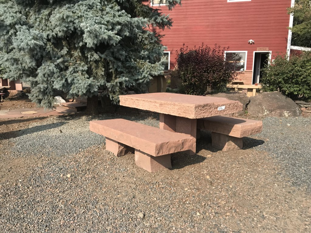 PICNIC TABLE & BLOCK BENCHES