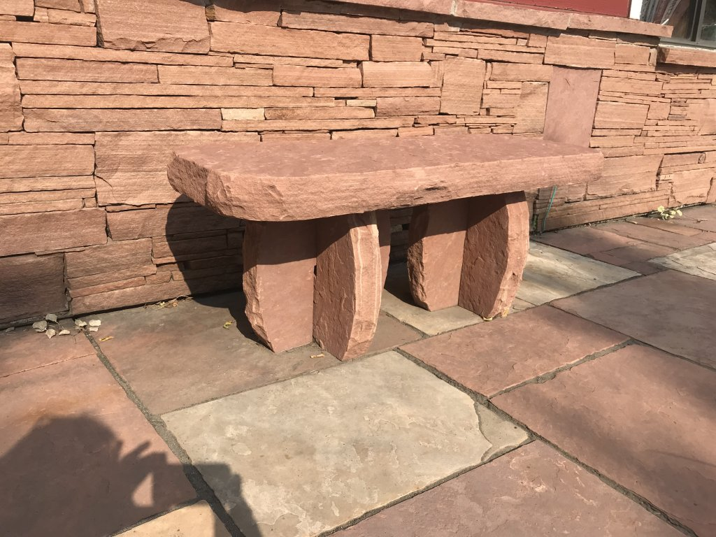 COLORADO RED BENCH WITH ROUNDED CORNERS, T-LEGS